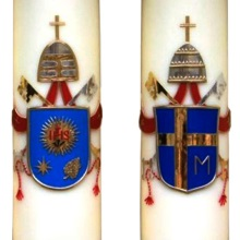 Candles with coat of arms - the popes