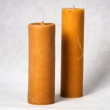 Beeswax pillar candle small - 8 cm x 23 cm. Big 7 cm x 27 cm